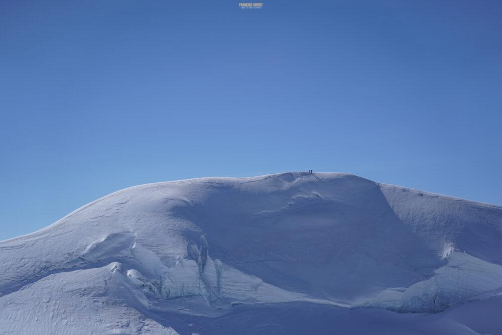 Mont Rose Zumsteinspitze punta Zumstein Gnifetti refuge col Lys Alpinisme Gressoney Val d'Aoste Valais Zermatt Alpes glacier