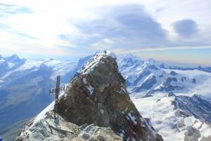Cervin traversée arête Lion Hornli escalade alpinisme Suisse Italie Valais